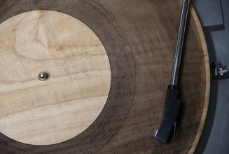 """The future of DIY? Q&A with Amanda Ghassaei, the developer of the world's first 3D printed record and wooden """"vinyl"""""""