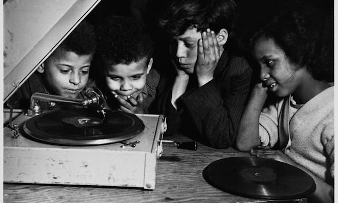 strong-resurgence-in-appetite-for-vinyl-but-one-in-three-people-dont-actually-listen-to-their-records