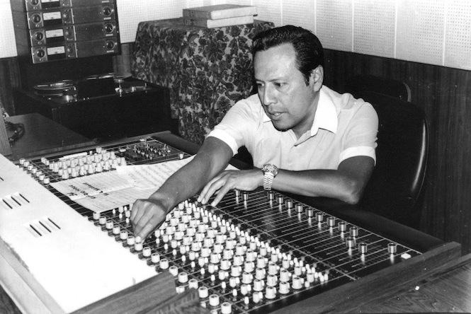 Alberto Maraví en sala de control de INFOPESA copy