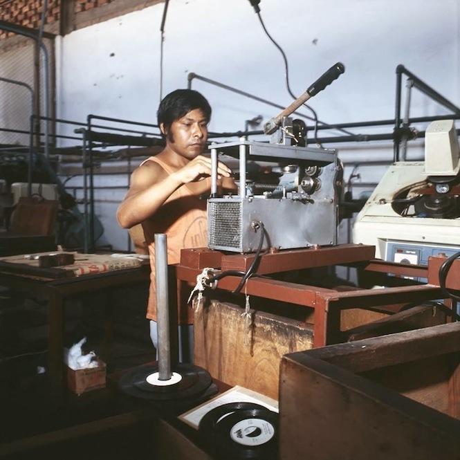 Producción de Vinilos INFOPESA2 copy