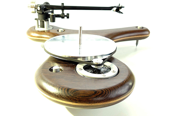 check-out-this-incredible-ufo-inspired-turntable